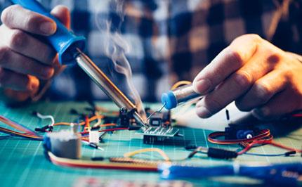 сервизиране и поправка на лаптопи