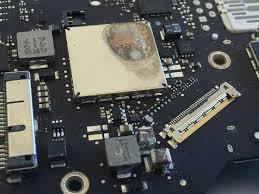 ремонт на изгоряла дънна платка на MacBook